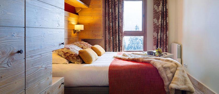 France_Flaine_montsoleil-terrasses-dhelios-apartments_bedroom.jpg